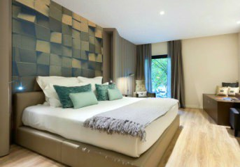 Accommodation at central 4-star hotels