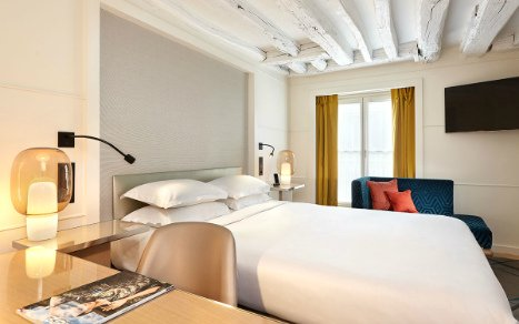 6 nights at centrally-located 4-star hotels
