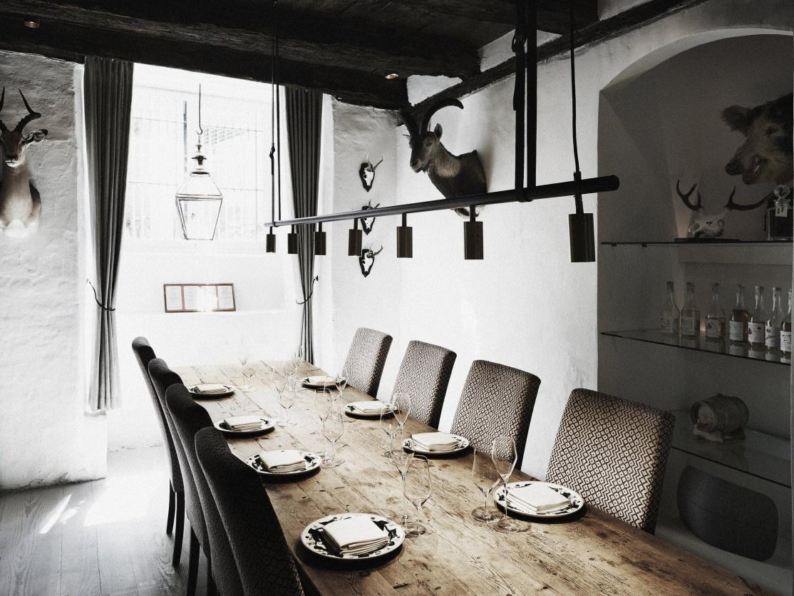 Kong Hans Kaelder Restaurant